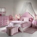 O estilo vintage é sofisticado e pode ser uma ótima opção para decorar o quarto infantil feminino. (Foto: Divulgação)
