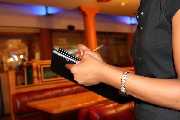 O recepcionista de balada deve estar atento a tudo (Foto: Divulgação Pixabay)
