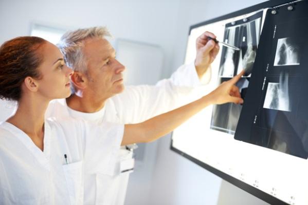 O curso técnico em radiologia é mais rápido e focado na prática. (Foto: Divulgação)
