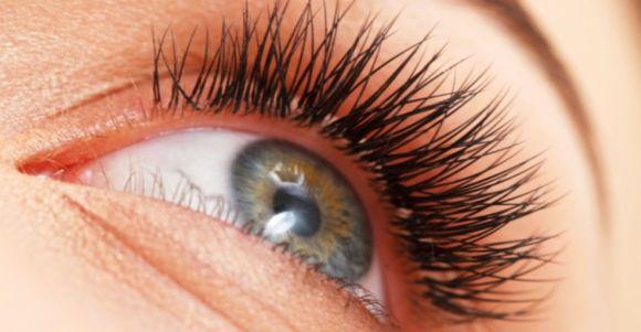 Os cílios permanentes têm uma duração maior (Foto Ilustrativa)