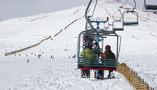 Os centros de esqui de El Colorado – Farellones ficam a 45 km de Santiago (Foto: CVC)