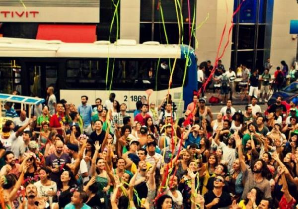 Quem gosta de Carnaval pode vir para Floria e curtir uma ótima festa.