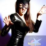 Um visual sempre sexy é o que conseguem as que optam pela fantasia de Mulher Gato. (Foto: Divulgação)