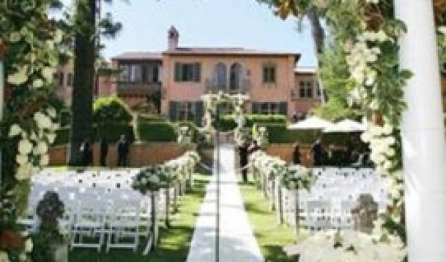 decoracao de jardim para casamento:Confira a seguir algumas fotos de decoração moderna para casamento :