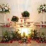 Flores na decoração do painel