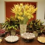 Decoração com flores amarelas
