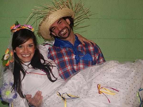 O que vale mesmo é a diversão da brincadeira do casamento caipira (Foto: Divulgação)