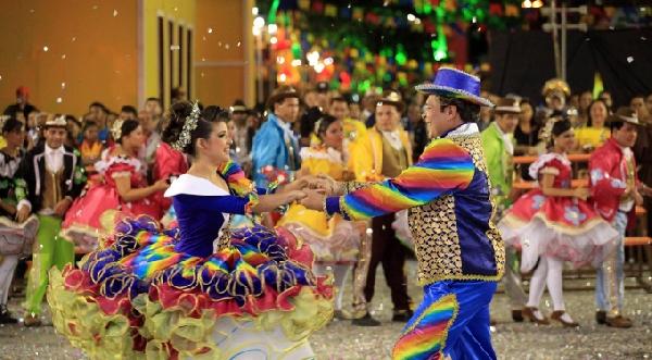 As roupas e as músicas são referenciais da festa junina (Foto: Divulgação)