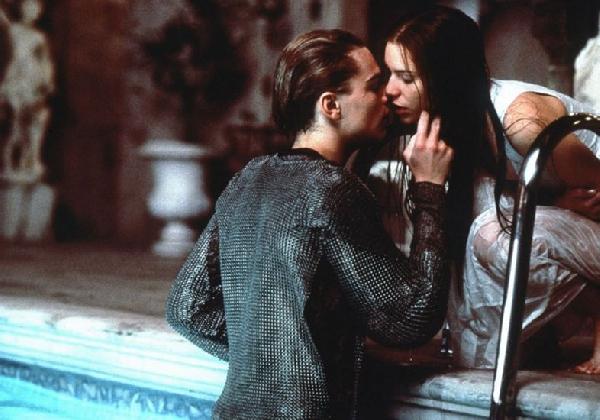 O beijo aquece o relacionamento e apimenta o corpo (Foto: Divulgação MdeMulher)
