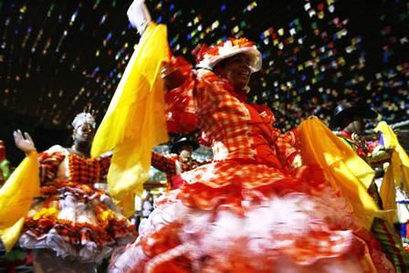 Quadrilhas famosas se apresentam nas Festas Juninas de Penedo (Foto: Divulgação)