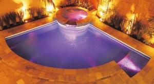 iluminação-subaquatica-para-piscinas-3-300x165
