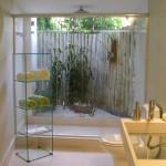 Decoração perfeita com folhagens naturais e bambu