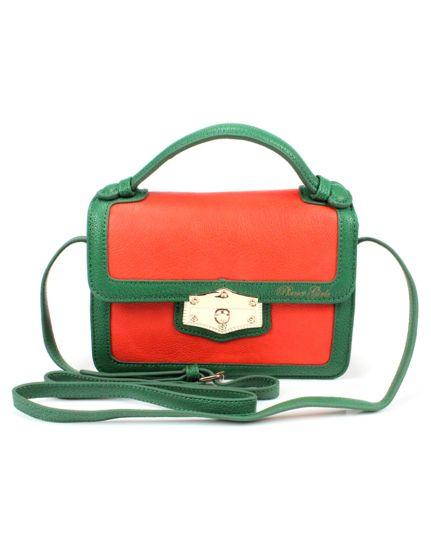 A bolsa tem um grande papel no look feminino (Foto Divulgação: MdeMulher)