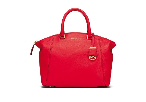 Tipo de bolsa ideal para mulheres magras (Foto Divulgação: MdeMulher)
