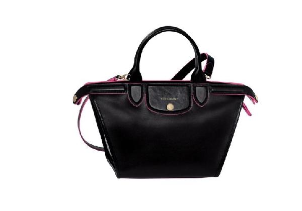 Bolsa com alça curta ideal para mulheres baixas (Foto Divulgação: MdeMulher)