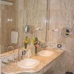 Banheiro em cores nud