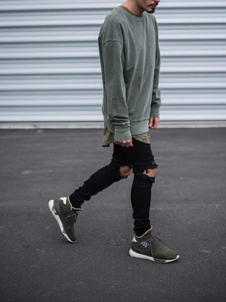 Blusas grandes oferecem conforto e estilo ao look Foto: Divulgação)