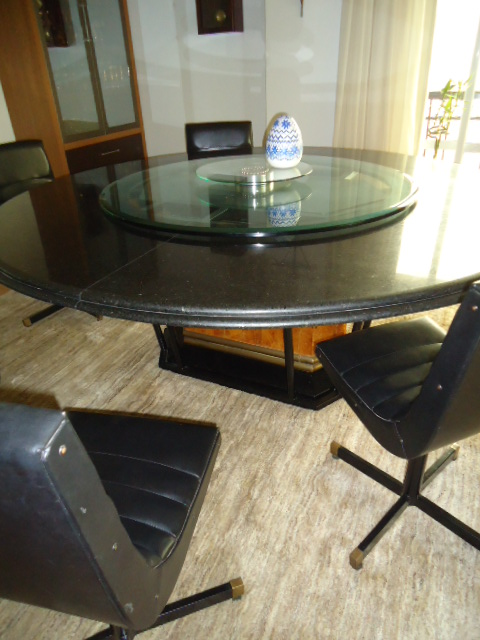 mesa de jantar com centro