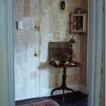 parede decorada com jornal fotos 8