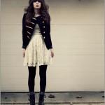 vestido de renda com casaco preto