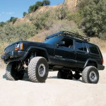 0711_4wd_01_z+1997_jeep_cherokee_sport+front_angle
