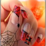 As unhas de Halloween podem ser delicadas. (Foto: Divulgação)