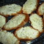 Aprenda a fazer pasta de alho caseira