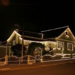 Outra ideia de casa decorada com pisca-pisca. (Foto: Divulgação)