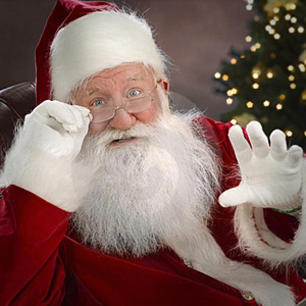 Papai Noel recebe cartas com pedidos para o Natal (Foto: Divulgação)