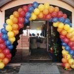Aprenda a fazer guirlandas com balões