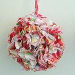 Bolinha artesanal para árvore de Natal. (Foto: Divulgação)