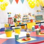 Aposte nos balões com gás hélio para decorar a sala de aula. (Foto: Divulgação)