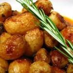 Aprenda a preparar batatas ao forno