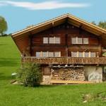 Até a casa de campo ganhou nova aparencia na fachada em madeira