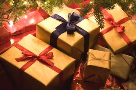 Presentes fazem a alegria de todos no Natal