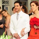 Vestido de noiva vermelho de Bibi em Insensato Coração (Foto:Divulgação)