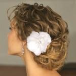 Penteado com detalhes ondulados (Foto:Divulgação)