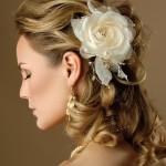 Penteado com flor no cabelo(Foto:Divulgação)