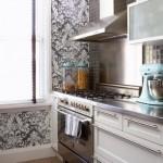 O papel de parede para cozinha precisa ser duradouro e resistente a água. (Foto: Divulgação)