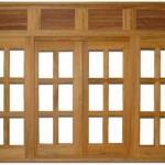 Grande e charmosa, a janela se destaca na decoração.