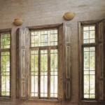 Janelas de madeira são rústicas e elegantes. (Foto: Casa Abril)