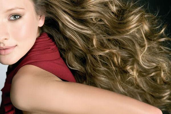 Tendência de luzes no cabelo - verão 2012