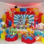 Uma decoração do Patati Patata combina com um aniversário alegre e colorido