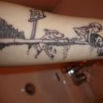 Tatuagem dos personagens enrrascados (Foto:Divulgação)