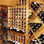 Vinhos armazenados na posição adequada