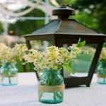Flores são bem-vindas para decorar mesas