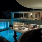 Casa luxuosa com piscina (Foto:Divulgação)