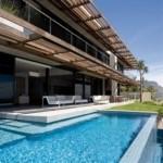 Casa extremamente luxuosa, com piscina e vista para o campo (Foto:Divulgação)