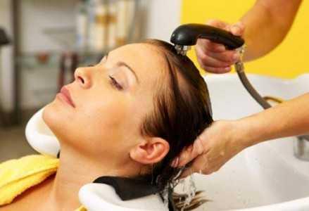 Lavar os cabelos depois do tratamento: escova inteligente