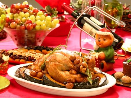 É difícil não exagerar na ceia de Natal, com tanta coisa gostosa na mesa. (Foto: Divulgação)